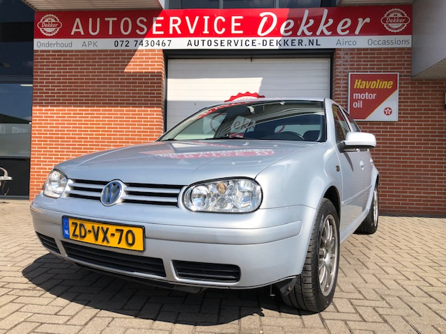 Volkswagen Golf 4 V5